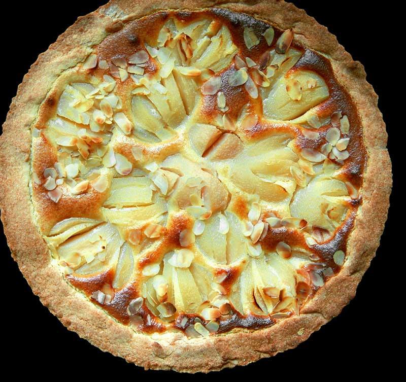 Päron kaka med kardemumma och mandel