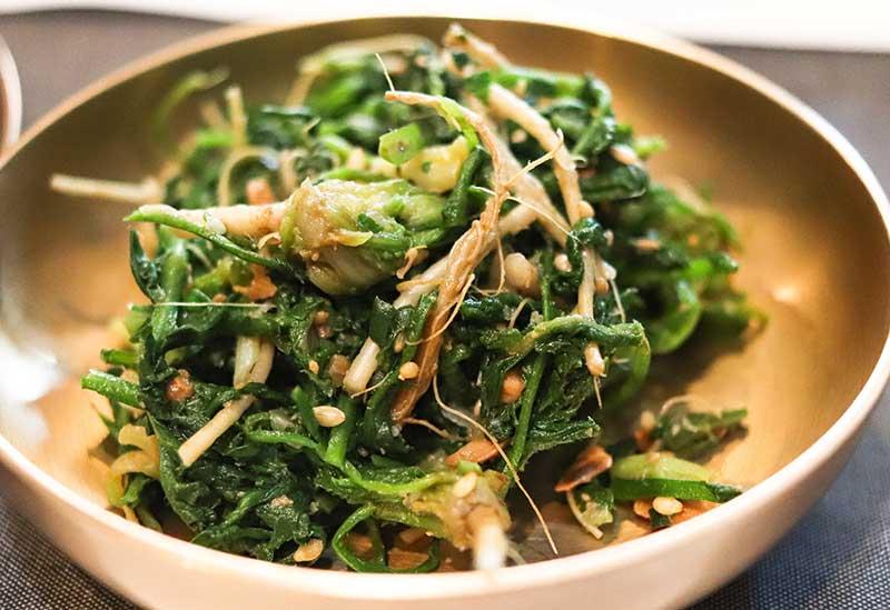 Wok med sellerikål pak choi