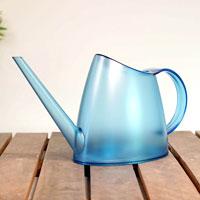 Genomskinlig vattenkanna Fuchsia 1,5 liter, blå