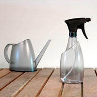 Fuchsia sprayflaska och vattenkanna, smoke