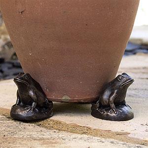 Dekorativa krukfötter för att undvika fula märken modell Padda