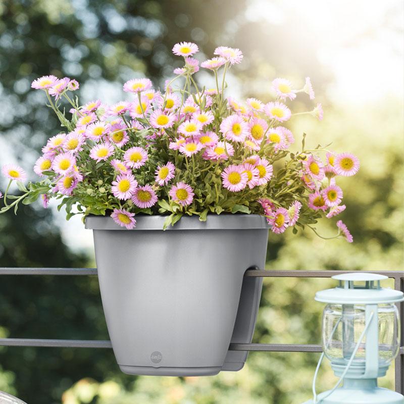 Liten och stor blomkruka för räcke My City Garden, gråa