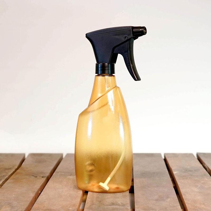 Genomskinlig sprayflaska Fuchsia 0,7 liter, orange