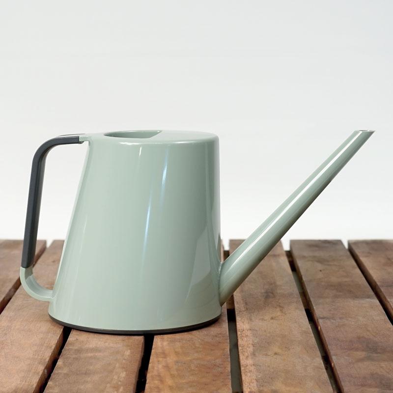 Loft vattenkanna 1,8 liter med högblank finish i salviagrön