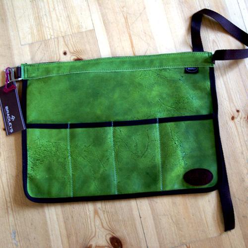 Skinnförkläde/trädgårdsbälte - grönt-Skinnförkläde för trägården, grönt