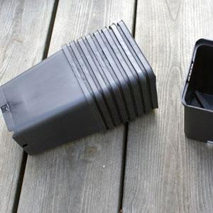 Perennkruka, 9 x 9 cm 50st-Perennkruka i plast 9 x 9 cm