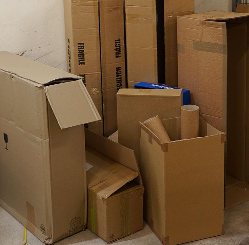 Återvinning av begagnade kartonger som packmaterial