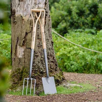 Spadar och grepar för trädgårdsarbete