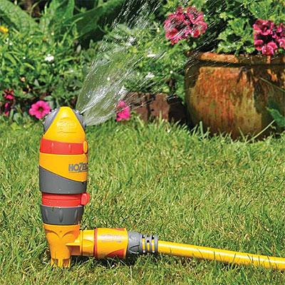 Vattenspridare och rotvattnare för gräs och växter