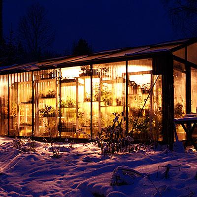Växtbelysning till växthus och uterum