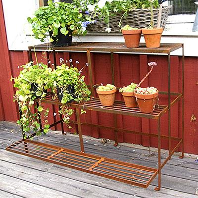 Blombord och växttrappor
