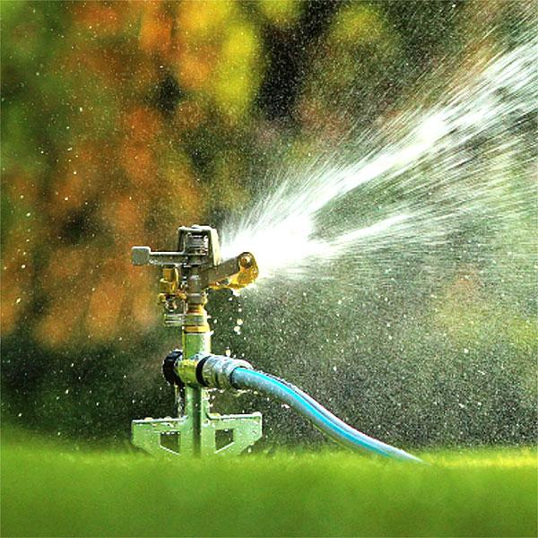 Vattenspridare och rotvattnare för gräs, planteringar och rabatter