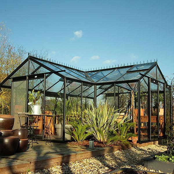 Kvalitetsväxthus för odling och trivsel