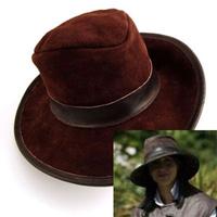 Hatt i skinn med mockadetaljer - chokladbrun-