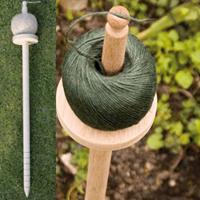 Jutesnöre på stativhållare - natur-hållare till jutesnöre för trädgårdsarbete