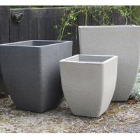 "Soho Square Planter, Limestone 28 cm, Lä""ttviktskruka i fiberclay Soho square planter - tre f""ärger"