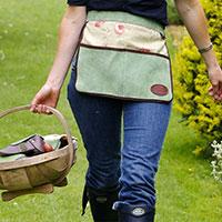 Trädgårdsförkläde i mocka och vaxat linne, grönt, Kort förkläde i mocka/linne med fickor för trädgårdsredskap