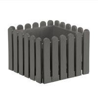 Fyrkantig blomkruka i lantlig 'staket'-design