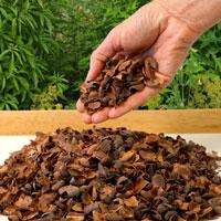 Kakaoflis för täckning i kruka och trädgårdsrabatter m.m.