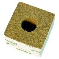 Grodan Rockwool odlingskub med plats för 3,7 cm rotad kub.