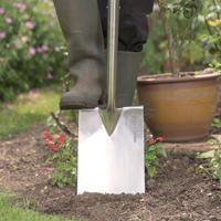Grävspade för trädgårdsarbete