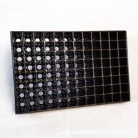 Pluggbrätte med 96 celler-Pluggbrätte med 96 celler som är 37x37x75 mm.