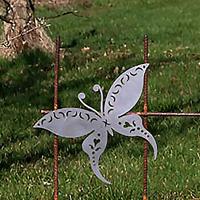 Makaonfjäril i rost för armeringsnät, L-Trädgårdsdekor av järn, upphängningsbar fjäril till armeringsmatta