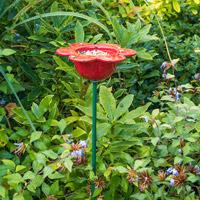 Fågelmatare Kronblad, röd-Fågelmatare med röda kronblad i keramik