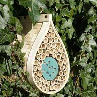 Insektshotell i trä