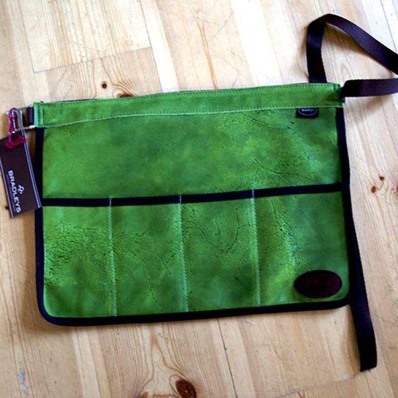Skinnförkläde/trädgårdsbälte - grönt, Skinnförkläde för trägården, grönt