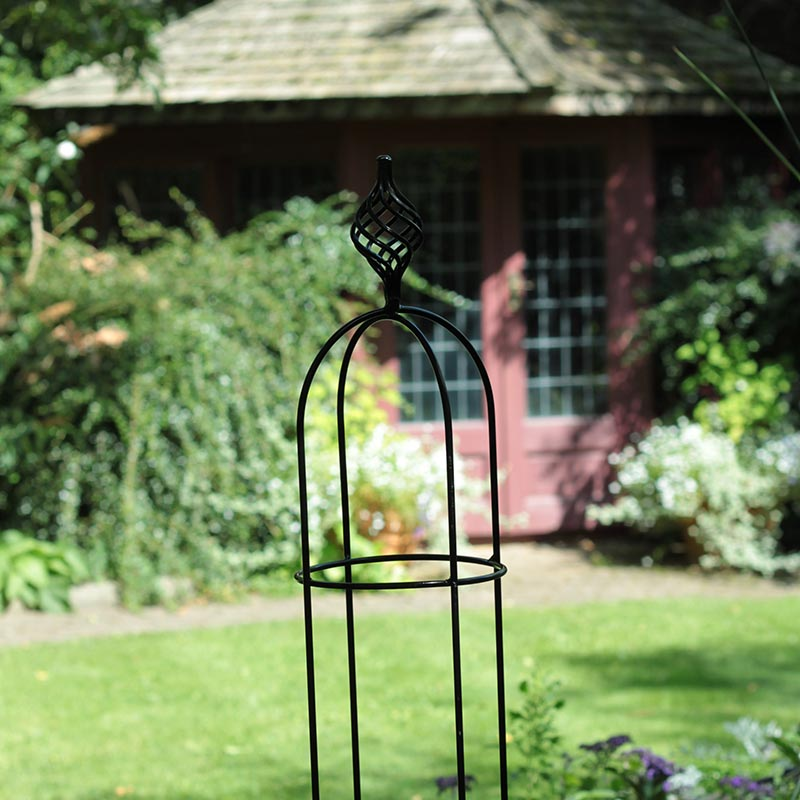 Växtstöd Obelisk Elegance svart, liten-Växtstöd i smide Obelisk Elegance Svart 135 cm