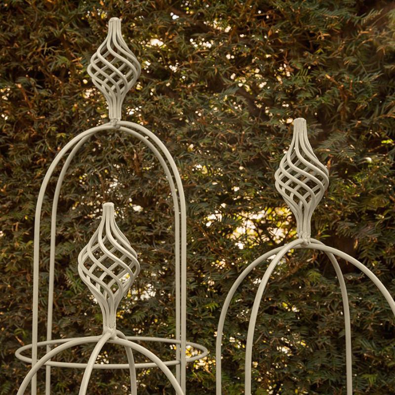 Växtstöd Obelisk Elegance salvia, liten, Växtstöd i smide Obelisk Elegance Salvia 135 cm