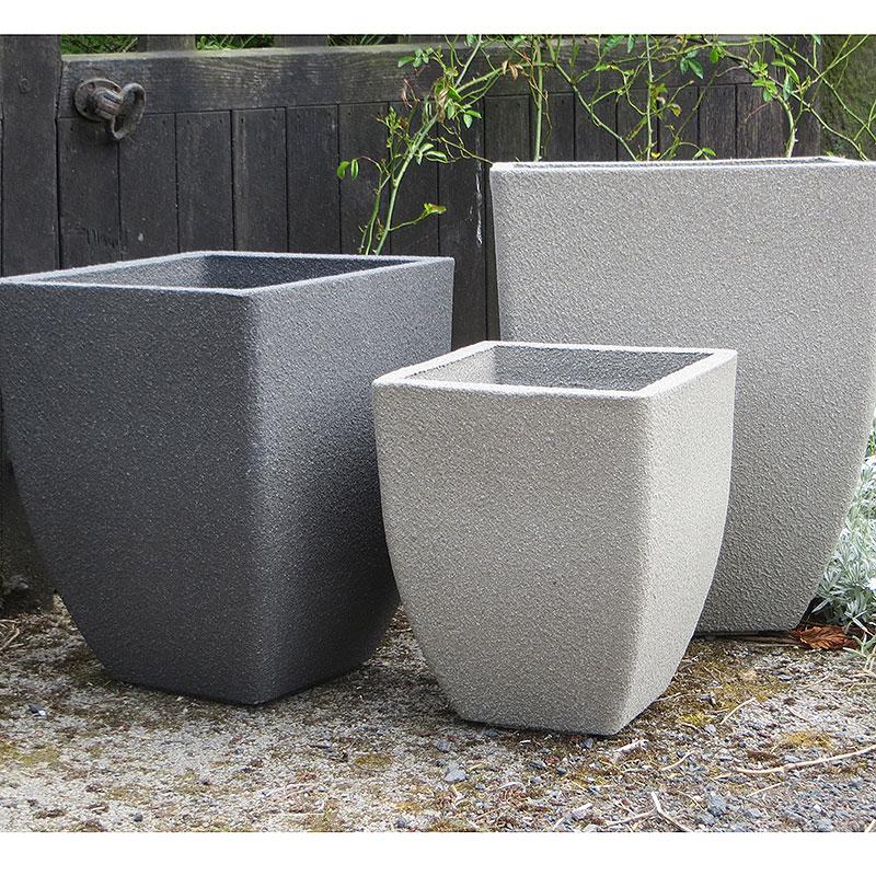 "Soho Square Planter, Old Stone 35 cm, Lä""ttviktskruka i fiberclay Soho square planter - tre f""ärger"