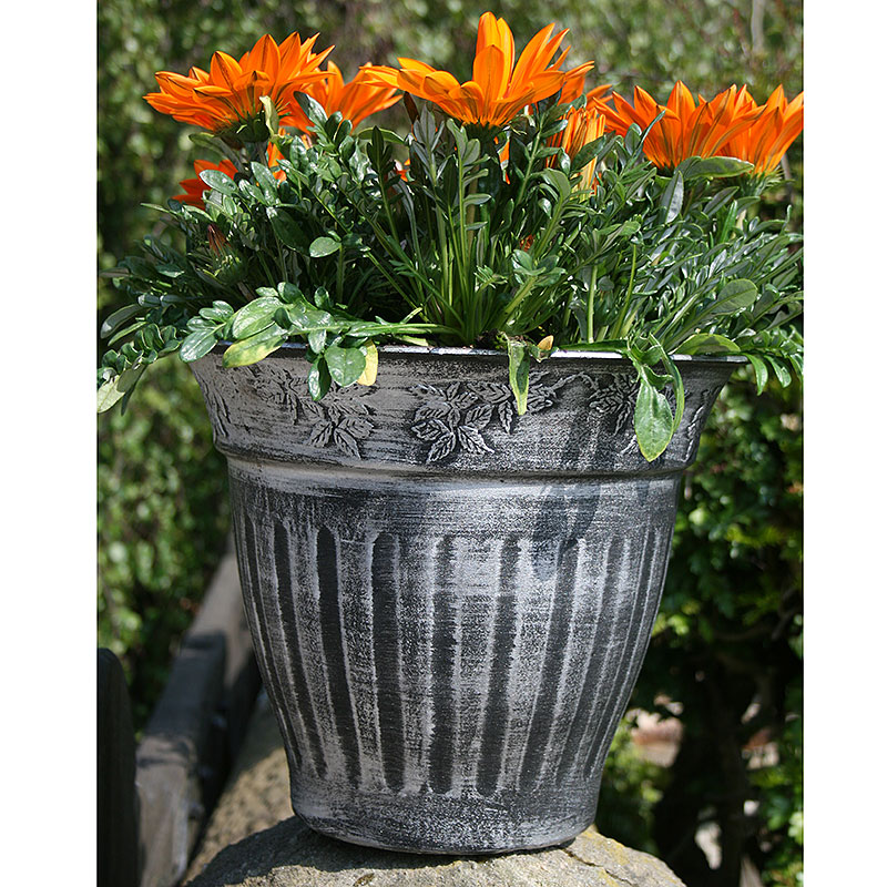 Floral Fluted Planter, silver 45 cm, Floral Fluted Planter Fluted Hanging Basket, svart patina