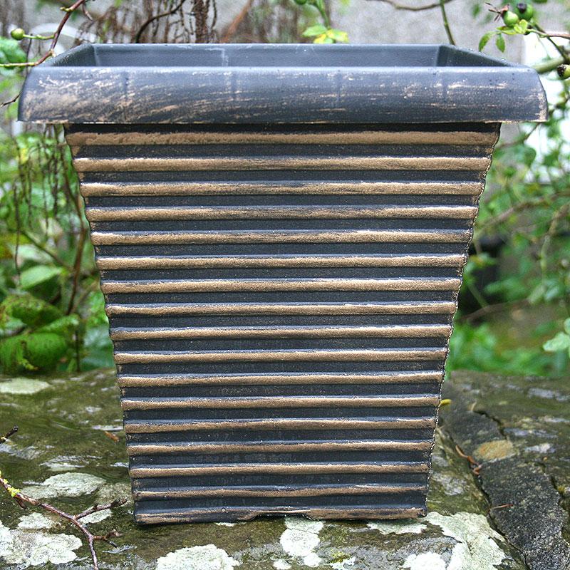 Tall Tapered Square, svart/guld-Lättviktskruka med Corinthian Bowl, Svart