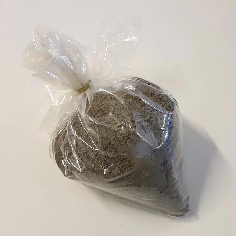 Rockdust, 1 kg-Rockdust - mineralberikande stenmjöl för odlingen