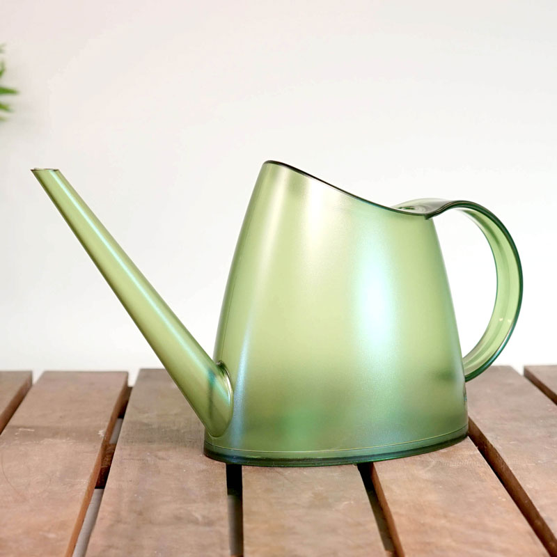 Genomskinlig vattenkanna Fuchsia 1,5 liter, grön