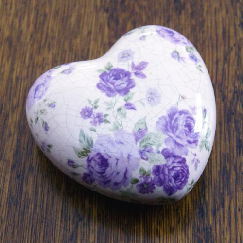 Krakelerat blomsterhjärta i ke...-Blomhjärta i lila keramik