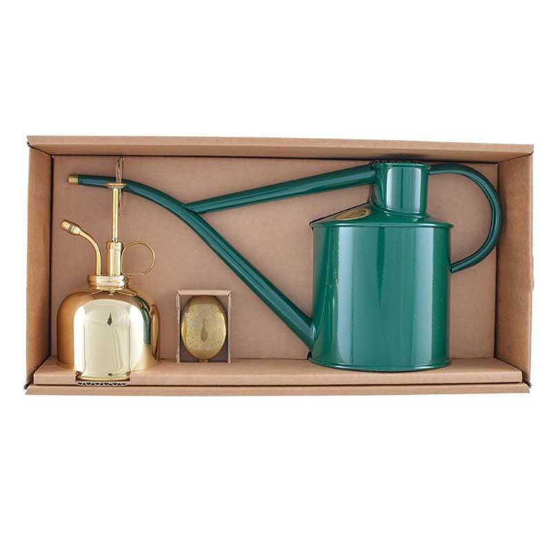 Vattenkanna Haws Classic grön med sprayflaska i mässing