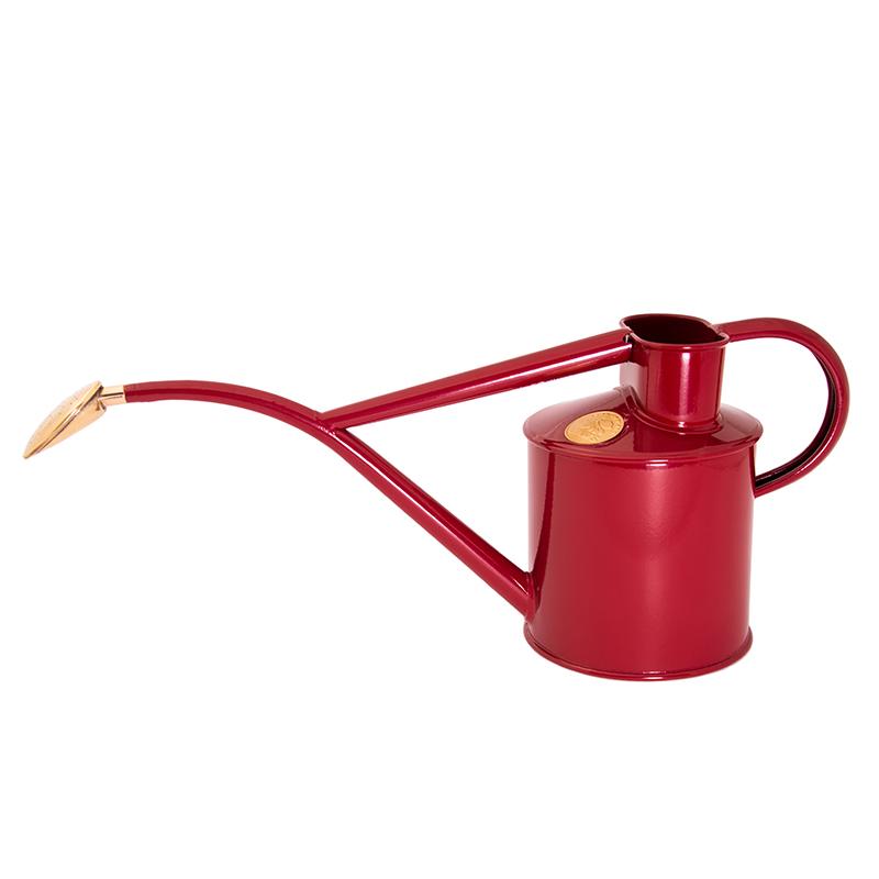 Pulverlackad vattenkanna från HAWS  med avtagbar rosstril, röd, 1 liter