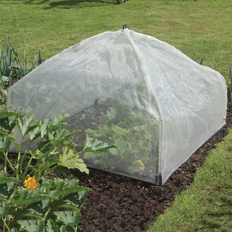 Uppfällbart odlingsskydd för köksträdgården