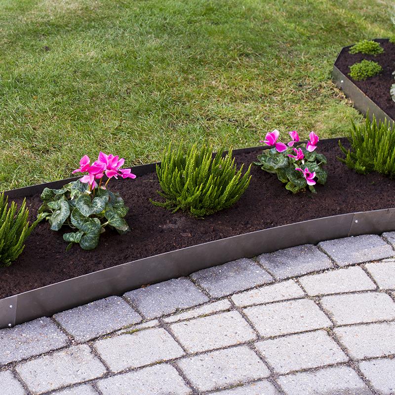 Planteringskant kvartsbåge aluzink, 180x750 mm, Blomplantering med raka planteringskanter
