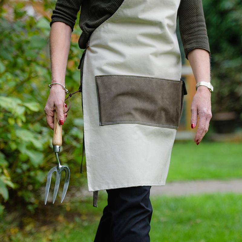 Praktiskt trädgårdsförkläde med redskapsficka