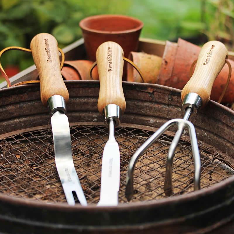 Redskap till trädgården, handkultivator