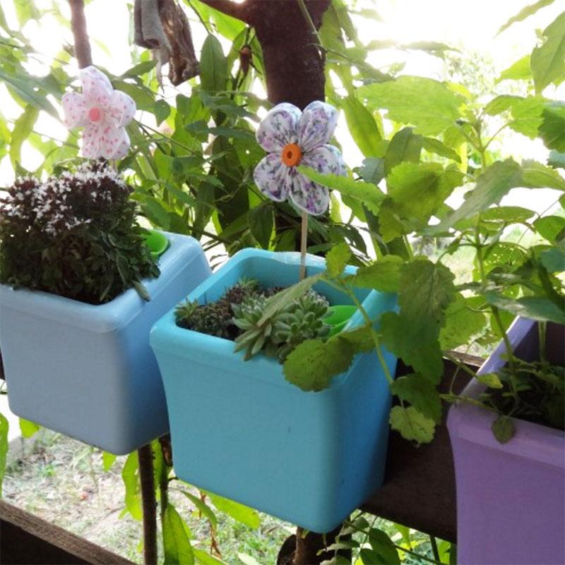 Klara Kipo Plant Pot, green, Klara Kipo - självvattnade kruka med upphängning