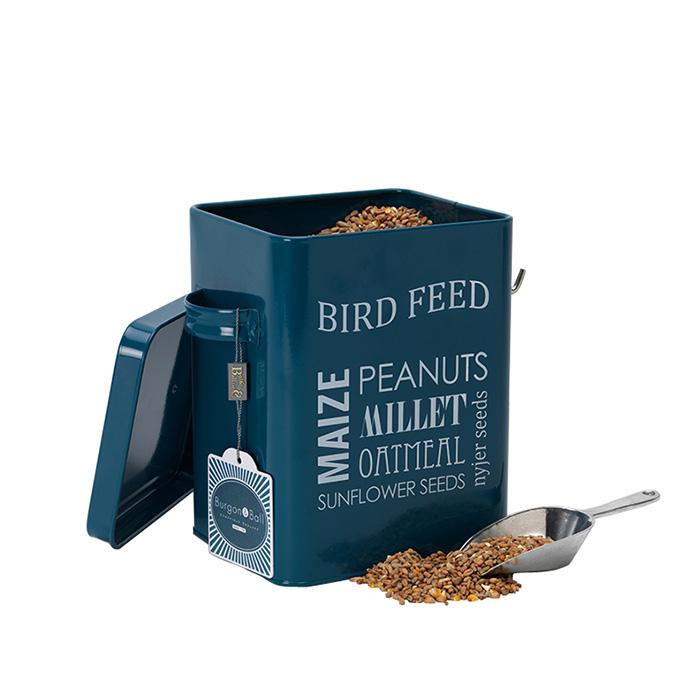Burk för fågelmat med skopa