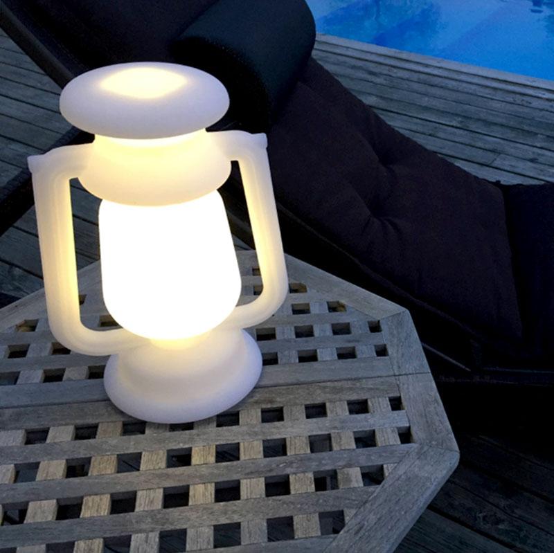 Lantern, en justerbar portabel lampa med varmvitt sken
