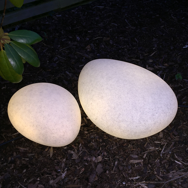 Stone trädgårdsbelysning LED i form av en sten