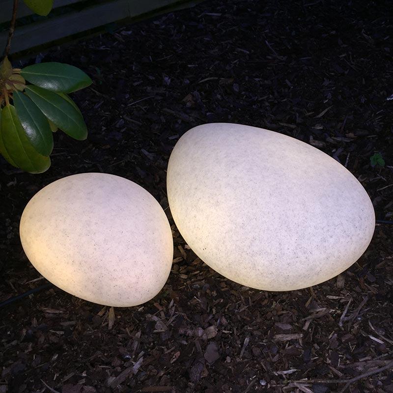 Stone XL trädgårdsbelysning LED i form av en sten