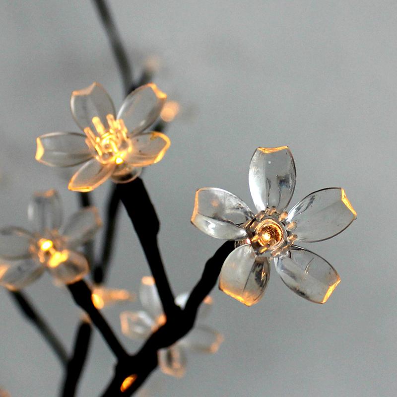 Led-lampor med blommotiv - trädgårdsbelysning